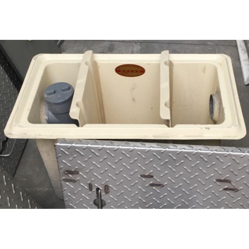 FRP油水分離槽